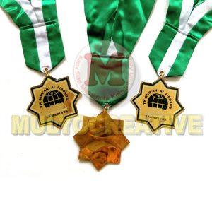 Beli Medali Kelulusan Desain Custom Bahan Logam Kuningan Harga Termurah