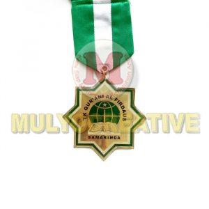 Obral Medali Kelulusan Desain Custom Bahan Logam Kuningan Harga Termurah