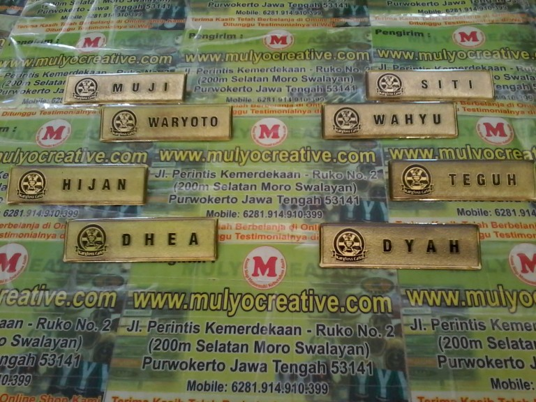 Name Tag kuningan kargloss cafe mulyocreative