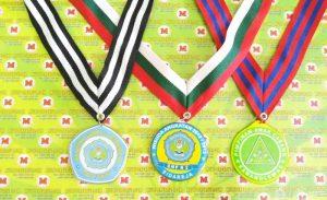 """Contoh medali dengan harga murah. """"Wisuda SMP N 2 Sidareja, PAC Karanglewas, Alumni SMPN 2"""""""