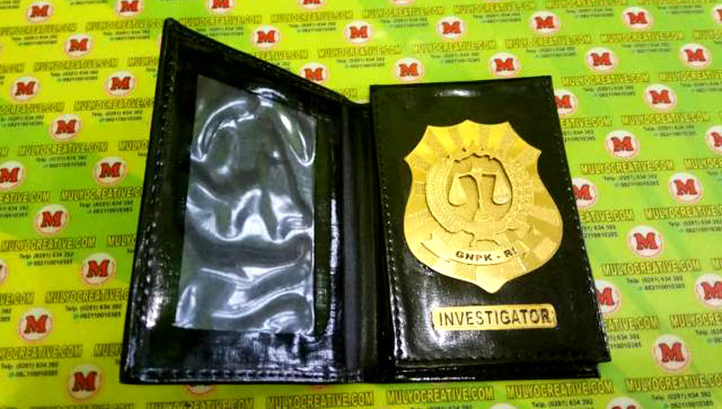 Contoh Dompet Lencana Kalung (Investigator)