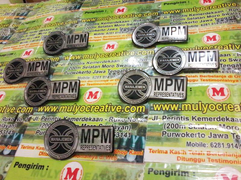 Pin dengan Logo MPM UPH