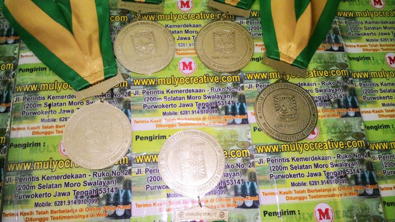Medali Wisuda Fakultas Kedokteran Universitas Andalas 2016