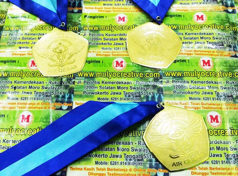 Medali Wisuda/ Kelulusan SMA Negeri 1 Air Gegas