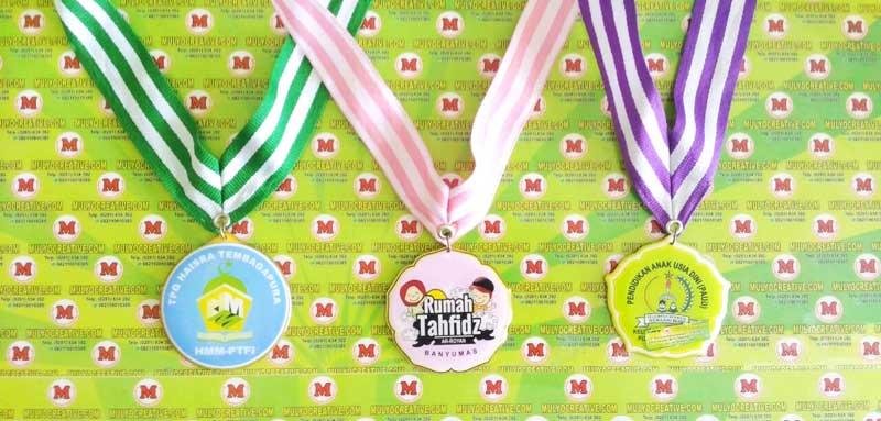 """Contoh medali murah. """"Medali TPQ Tembagapura, Medali Rumah Tahfidz, Medali PAUD,"""
