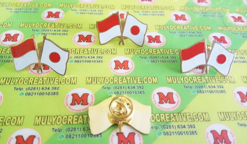pin bendera kerja sama Indonesia dan Jepang