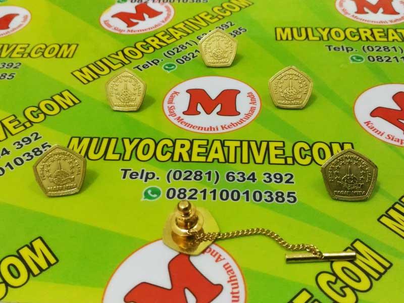 """Pin Rantai / Pin Kerah. """"Pin Logo Pagar Nusa"""". dengan menggunakan bahan dasar logam kuningan."""