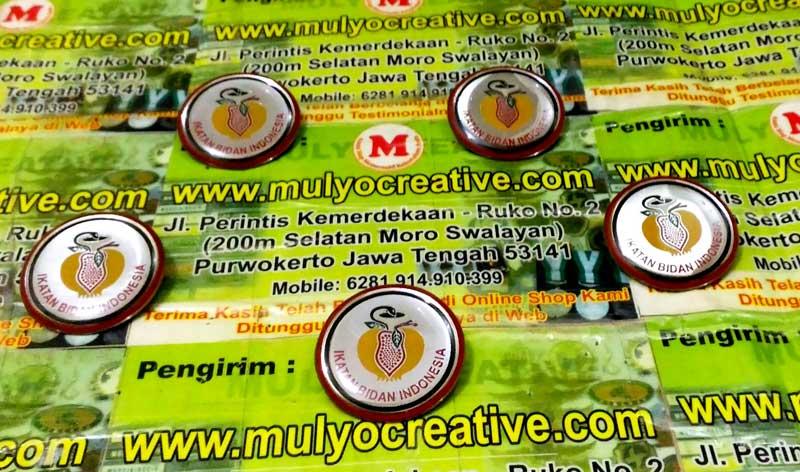 Pin Lencana dengan Logo Ikatan Bidan Indonesia