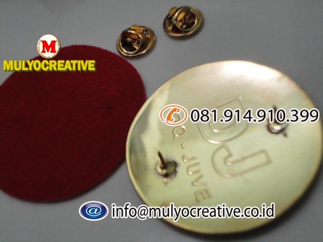 pin logam (13)