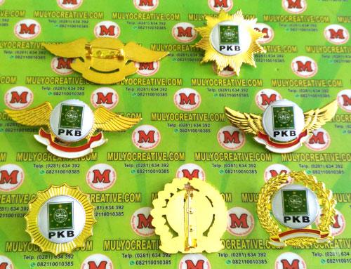 Beragam Model Pin PKB terbuat dari logam kuninganOrder dan Pesan sekarang juga di Mulyo Creative