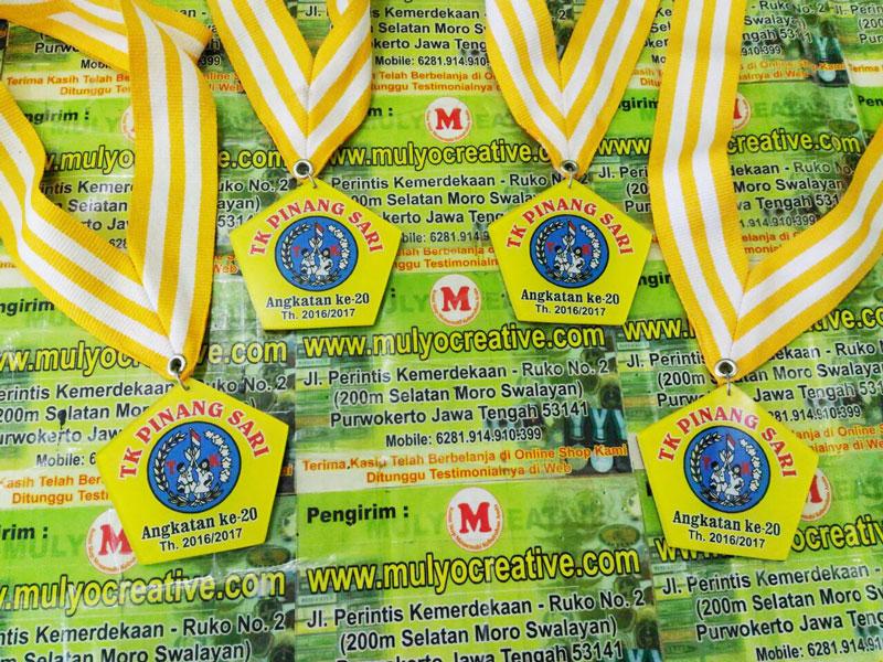 Wisuda Medali Kelulusan TK Pinang Sari